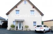 VERKAUFT !!! Freistehendes Einfamilienhaus mit Carport in Mörse